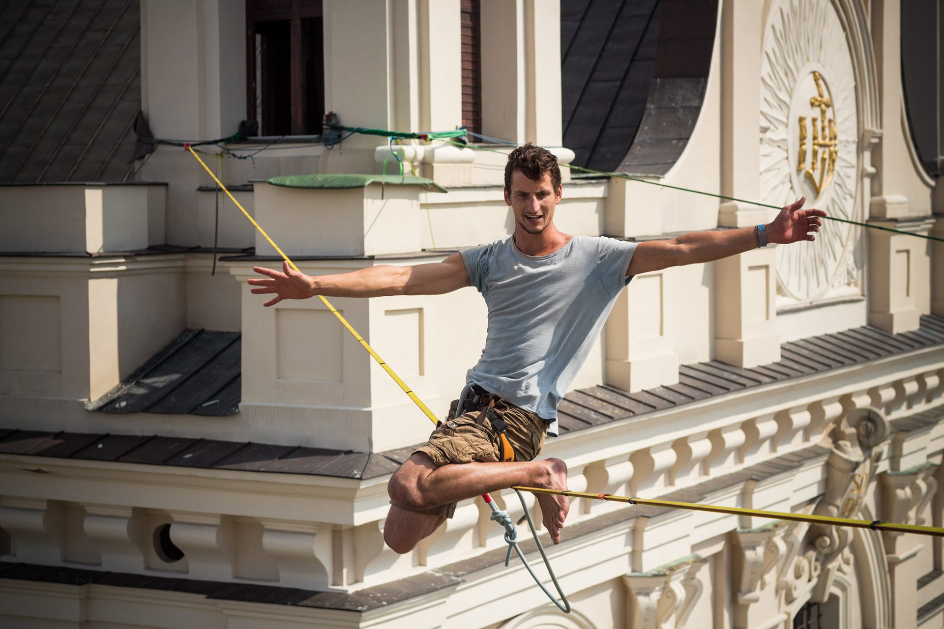 orosz_adam_outdoorinhales_highline-urban_highline_festival_2014_lublin_10