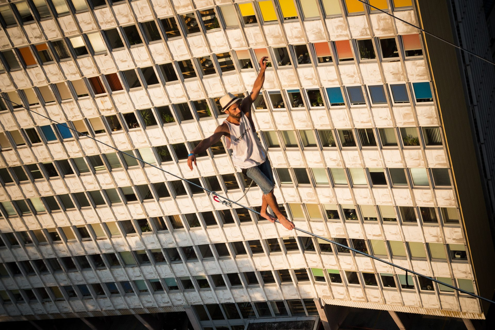orosz_adam_outdoorinhales_highline-urban_highline_festival_2014_lublin_32