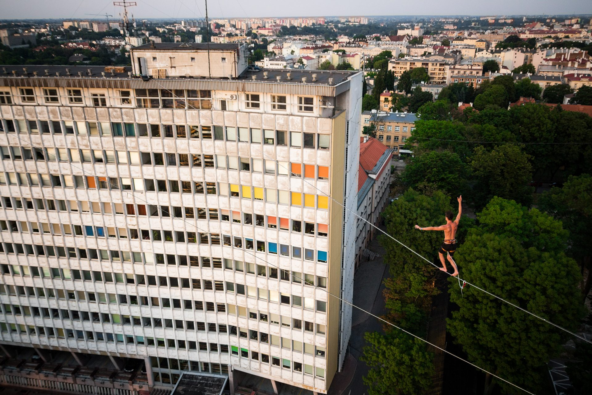 orosz_adam_outdoorinhales_highline-urban_highline_festival_2014_lublin_33