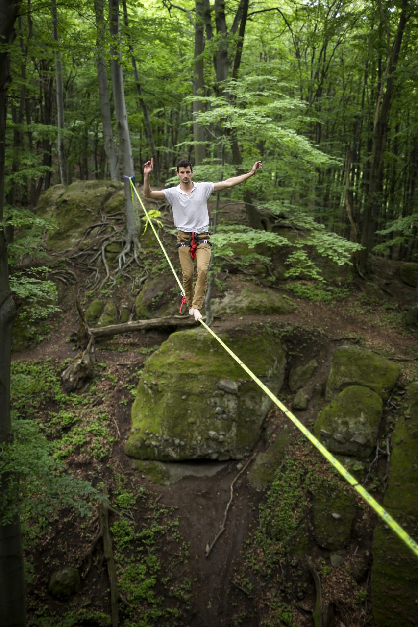 orosz_adam_outdoorinhales_highline-zsivany_rocks_pilis_no2_05